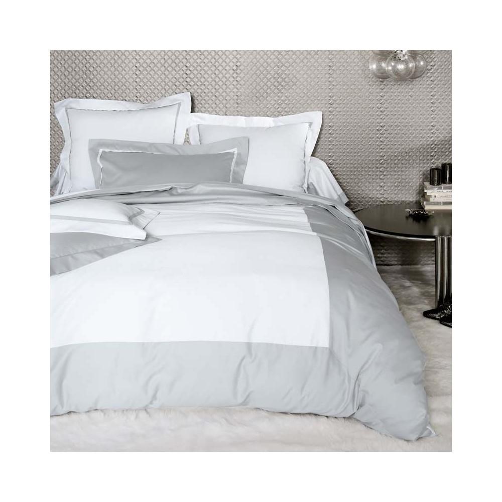 parure de lit en satin de coton. Black Bedroom Furniture Sets. Home Design Ideas