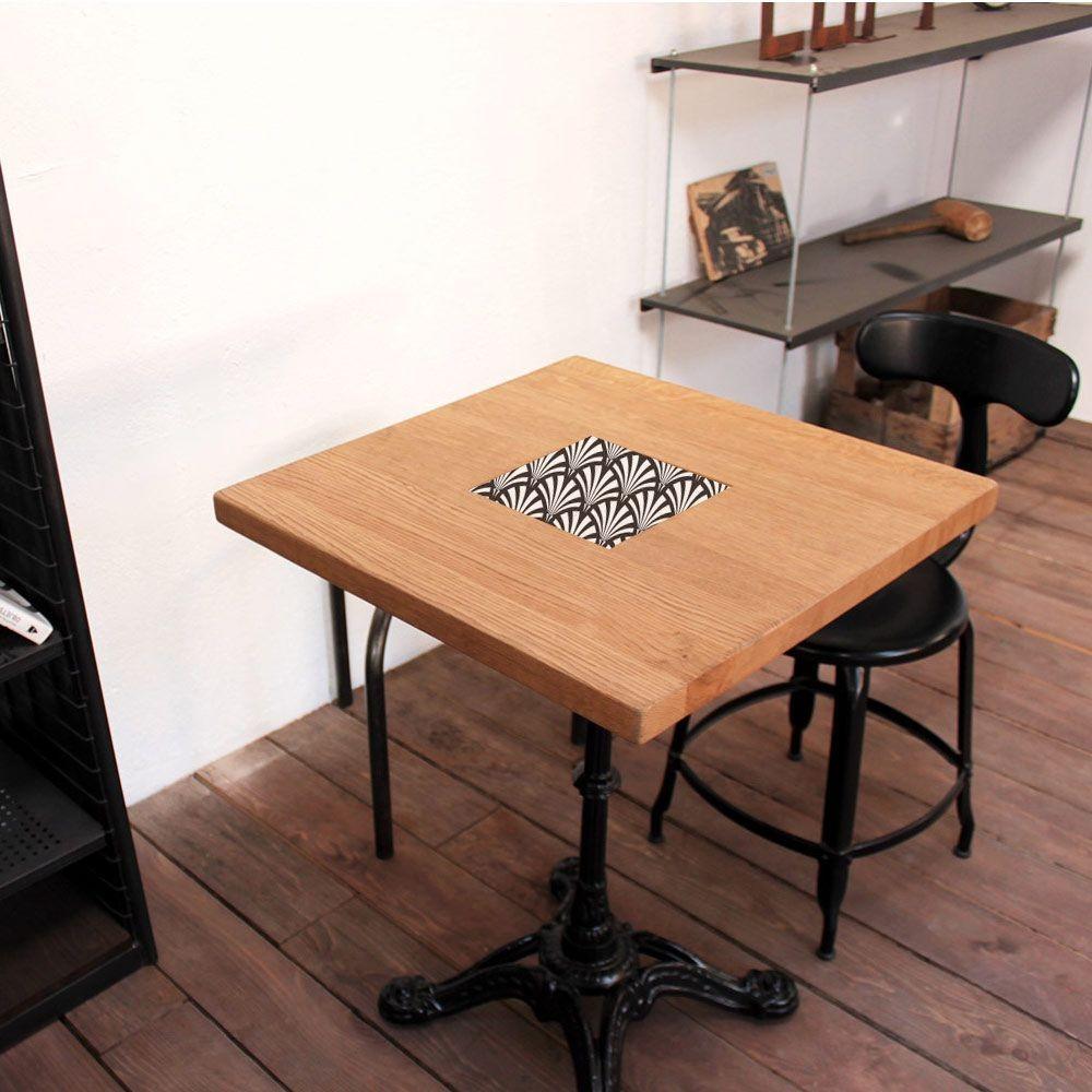 table de bistrot carr ch ne. Black Bedroom Furniture Sets. Home Design Ideas